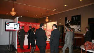 Theater-foyer-ondernemers-vergaderen-hotel-meeting-seminar-centrum-almelo-professioneel