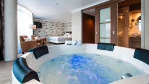 Whirlpool_suite_Theater_Hotel_Almelo