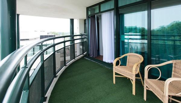 Balkon Met Jacuzzi : Rooftop suite van der valk theaterhotel almelo