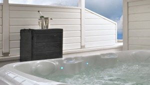 XL Outdoorjacuzzi met lichttherapie