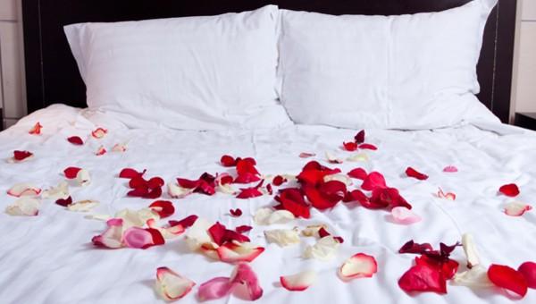 Bed Met Rozen.Wedding Van Der Valk Theaterhotel